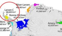 Huge iceberg of Antarctic close to break away